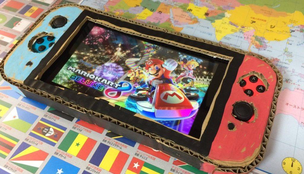 Un jeune garçon fabrique une Switch en carton, son papa lui fait un cadeau surprise énorme !